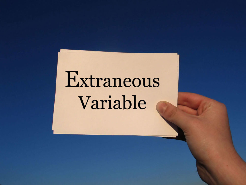 what is an extraneous variable